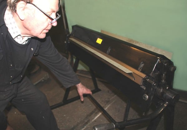 Floor Standing Hand Operated Sheet Metal Folder (40-inch, 1060mm)