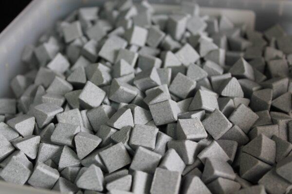 Motor Parts Vibratory Tumbler Media - Ceramic Triangles (1kg)