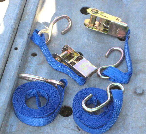 Pair of Ratchet Tie Down Straps (4.5m)